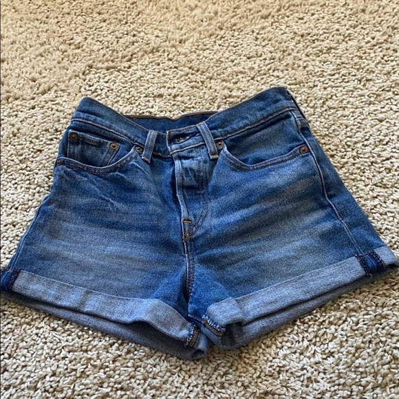 Levi Denim Shorts size 24